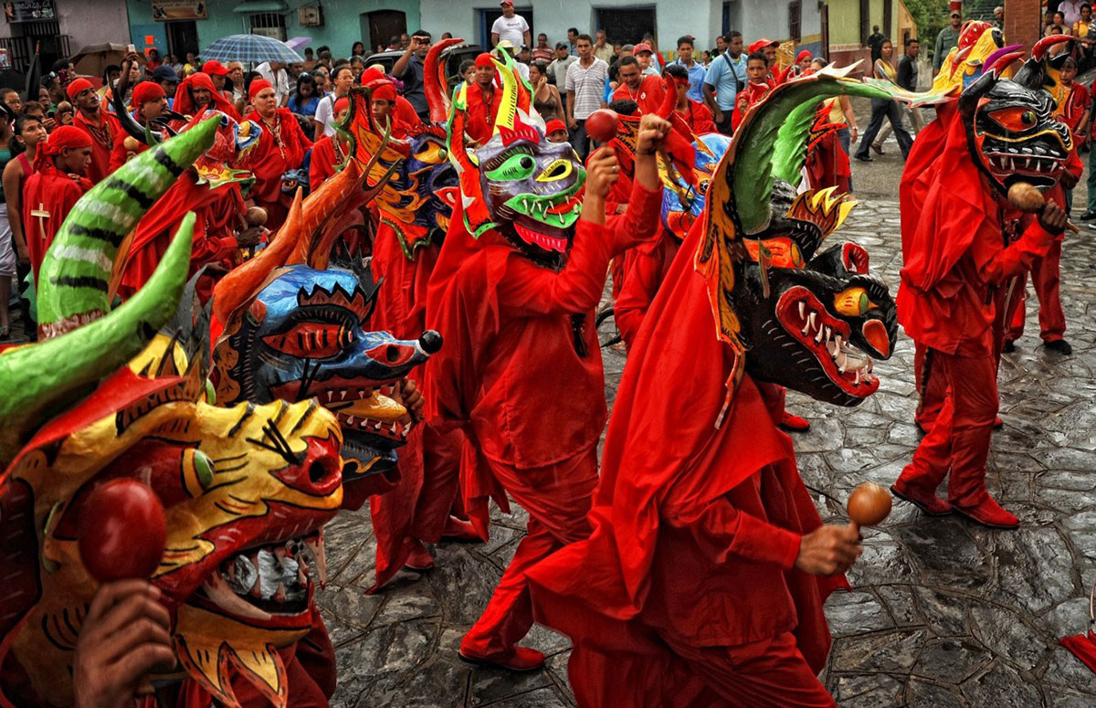 Достопримечательности Венесуэлы, Танцующие Дьяволы